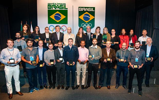 Representantes das 32 confederações participantes do Programa GET